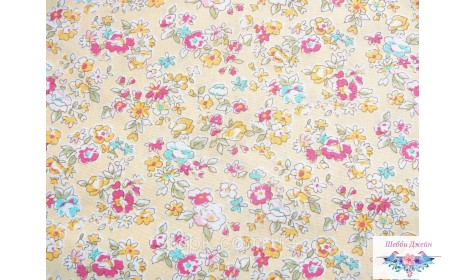 Отрез ткани цветы на нежно-желтом 50 х 48 см.