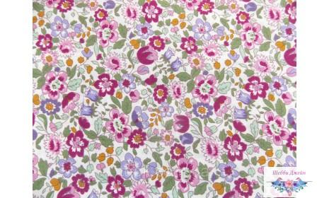 Отрез ткани вишневые цветочки 47 х 51 см.
