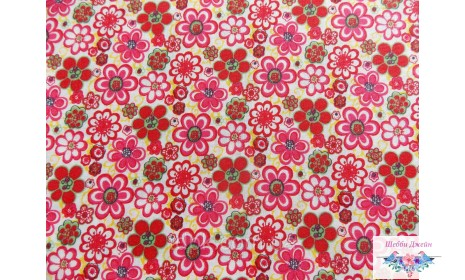 Отрез ткани малиновые цветочки 50 х 48 см.
