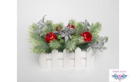 """Композиция из искусственных цветов \""""Новогодняя\"""""""